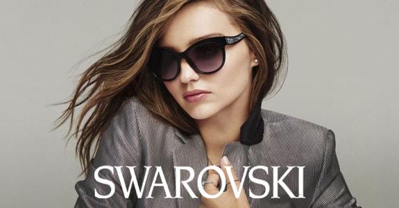 9726b7aeeb Las gafas de sol Swarovski son un clásico en el mapa de las marcas de moda.  En nuestra óptica web está disponible el catálogo online para que elijas  las ...